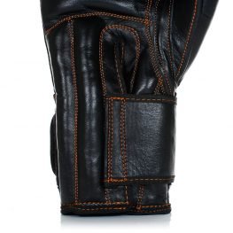 close-black-diamond-thai-gloves