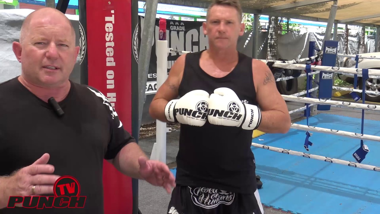 Quick Warmup – Kneeing with a Punching Bag