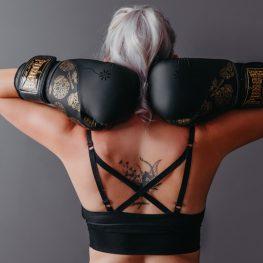 Black-Skulls-Womens-Gloves-Back