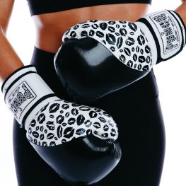 Womens Boxing Gloves – Lip Art – Black