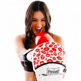 womens-red-lips-focus-pads
