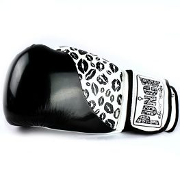 womens-boxing-gloves-lips-black-white-1