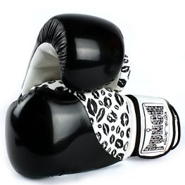 womens-boxing-gloves-lips-black-white-2
