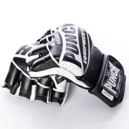punch-black-white-shooto