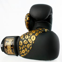 matte-black-gold-lips-bling-boxing-gloves-5